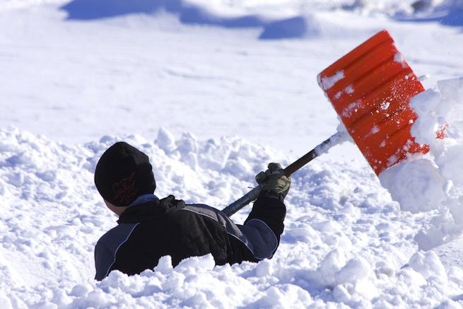 sneg lopata