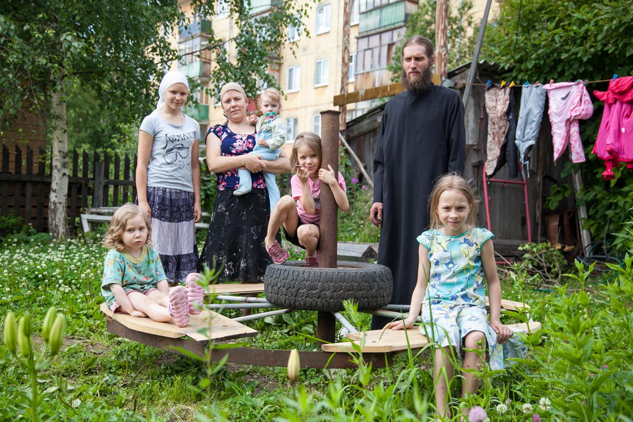 Поможет ли детям митрополит Даниил?