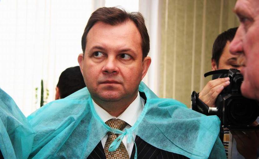 Вышел камень сенатора Павленко