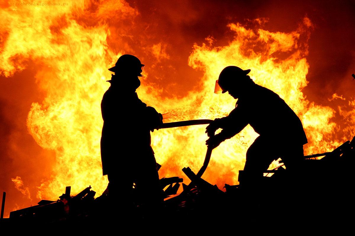 Во время тушения пожара погиб сотрудник МЧС
