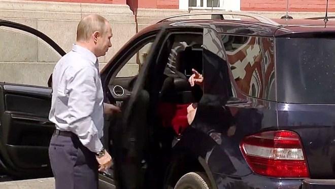 Царица небесная и Владимир Путин