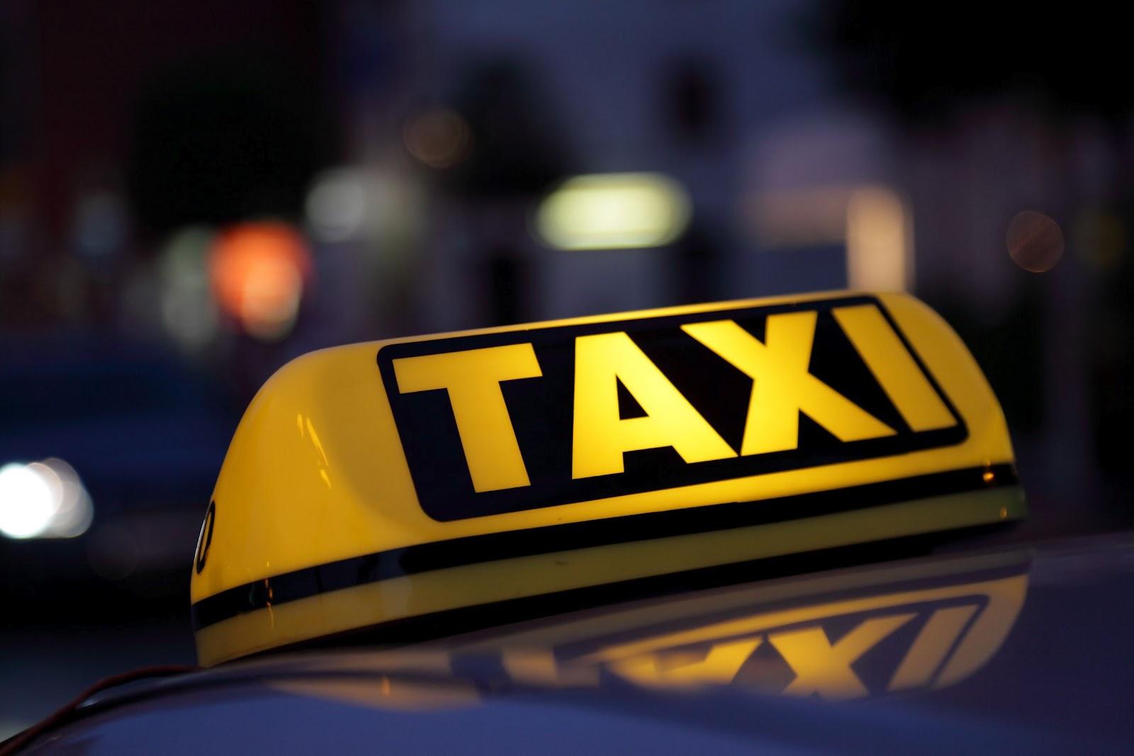 В ходе прокурорской проверки выявленна масса нарушений в такси «Максим»