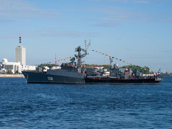В Архангельск прибыл первый военный корабль