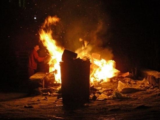 В Онеге сожгли девушку в мусорном контейнере