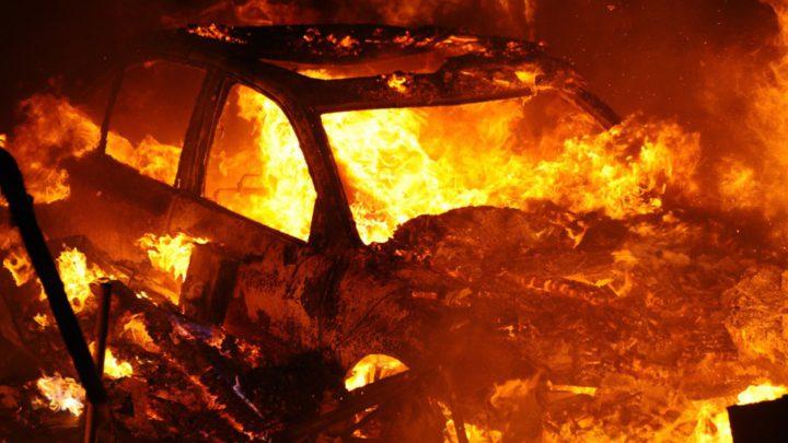 Три иномарки сгорели этой ночью под Архангельском