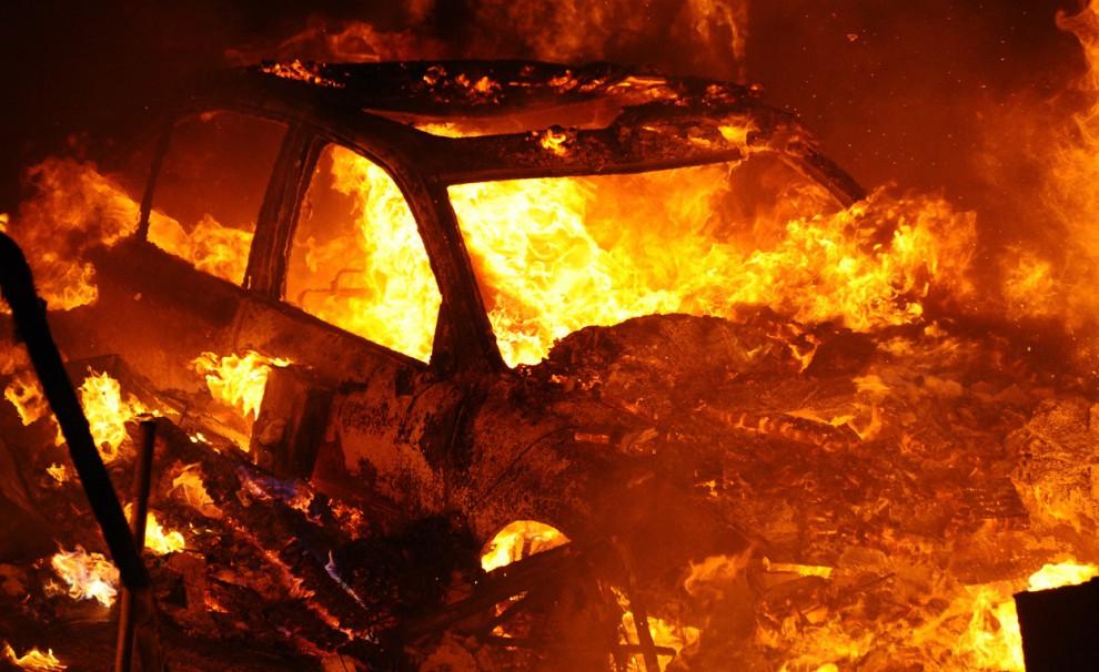 Вчера вечером сгорело 6 автомобилей