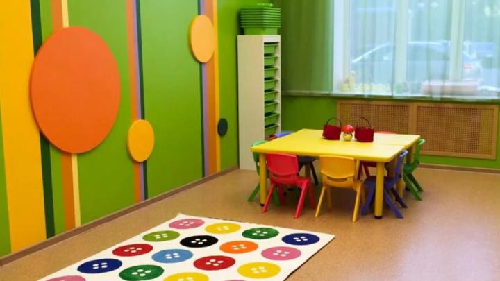 В Северодвинске пьяный мужчина вломился в детский сад и уснул